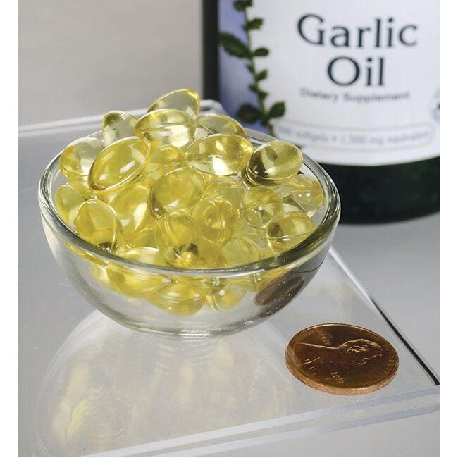 Swanson Premium Garlic Oil Concentrate - Triple Strength Close Up